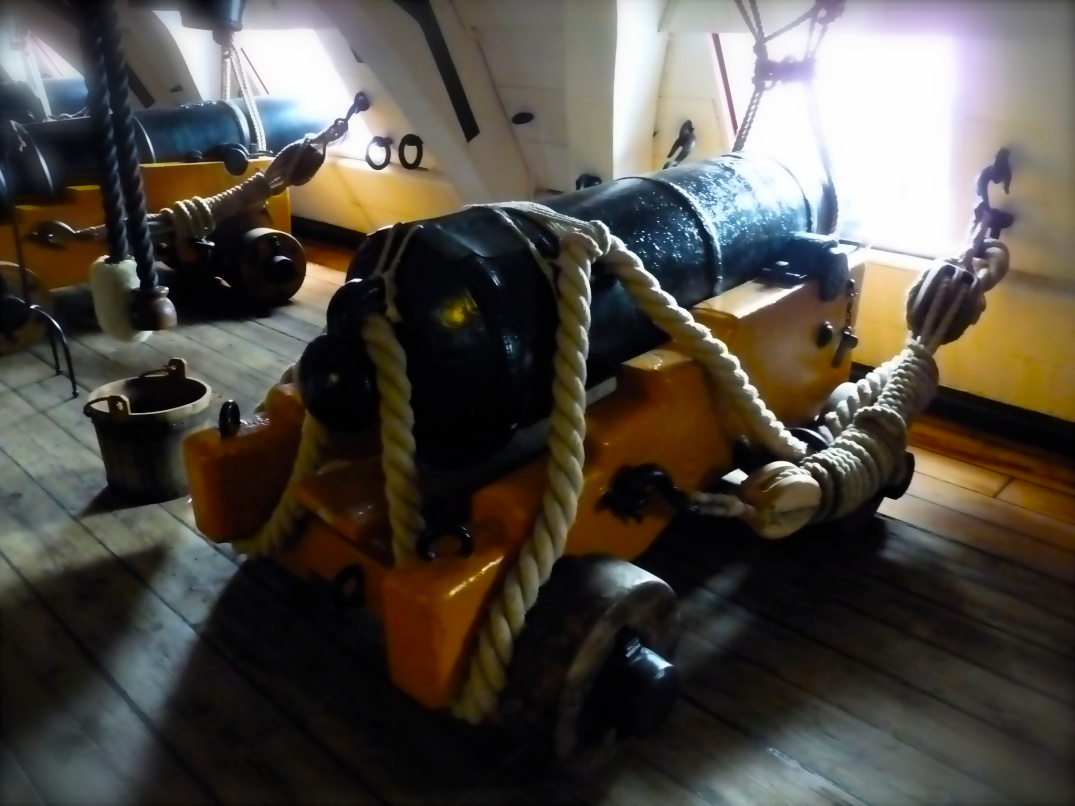 Canon on board HMS Victory, Nelsons 104-gun flagship which won the Battle of Trafalgar
